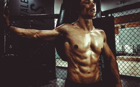 5 TIPS TO GET SHREDDED THIS SUMMER